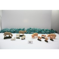 Conjunto de 5 ovejas y 3 cerdos de resina