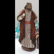 Pastor portando un pergamino 15cm